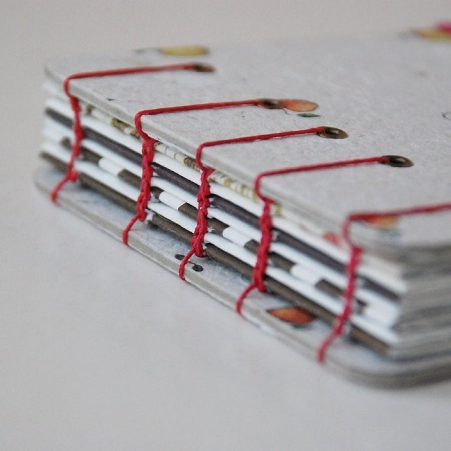 Knygelė. Nedidelė, įrišta rankomis. (009)