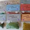 """Levandų maišelis """"Saldainiukas vilnos mylėtojui"""" (mėlyna-rusva-raudona 10)"""