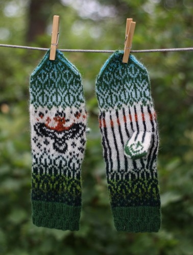 "Original, hand knitted, warm, woolen Mittens ""Flying Hoopoe"""