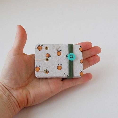 Knygelė. Maža, įrišta rankomis. (003)