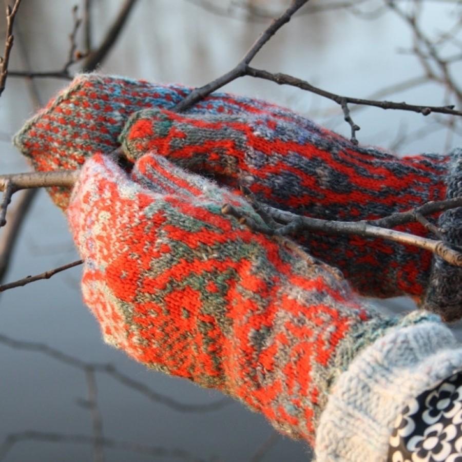 """Original, hand knitted, warm, woolen Mittens """"Goldfish"""""""