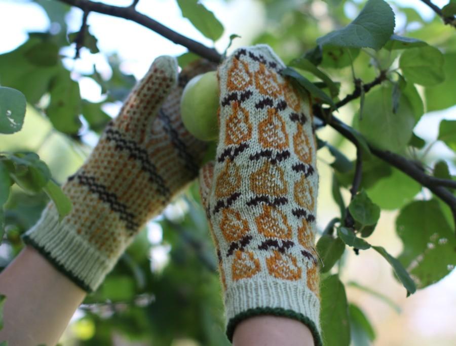 """Smagios, šiltos, rankomis megztos pirštinės su kriaušyčių ornamentais """"Kriaušės"""""""