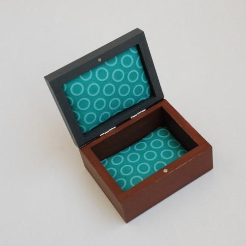 """Maža medinė dėžutė """"Šokoladinė ruda"""" (box-13)"""