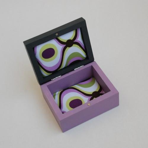 """Maža medinė dėžutė """"Violetinė"""" (box-06)"""