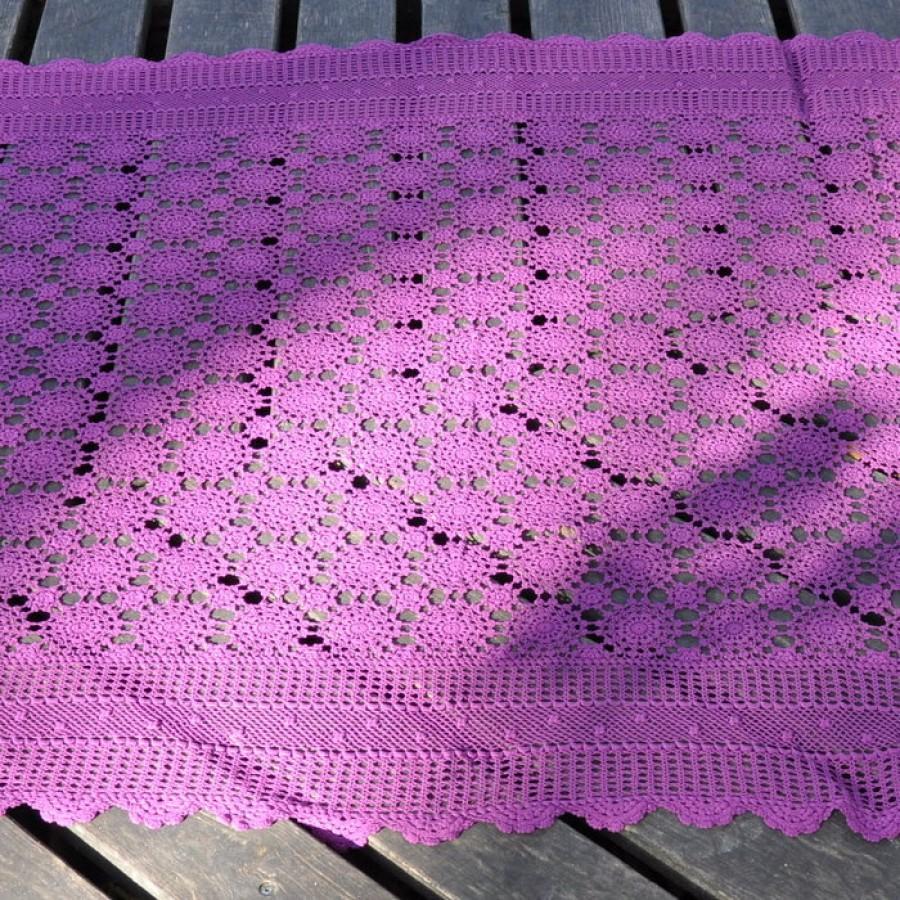 Vintage crochet tablecloth (excellent condition)