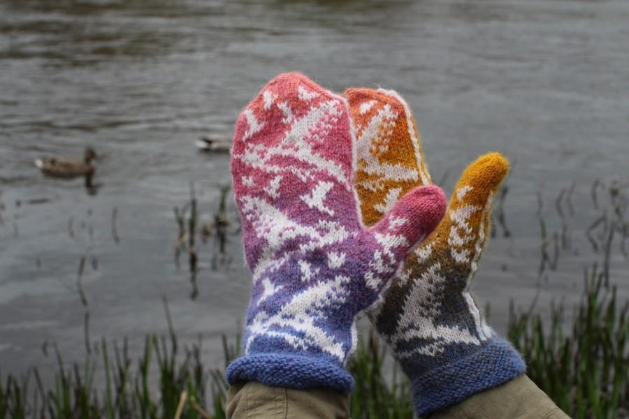 """Original, hand knitted, warm, woolen Mittens """"Seagulls at Sunset"""""""